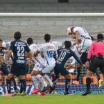 Cruz Azul aplasta a Pumas en Torneo por México